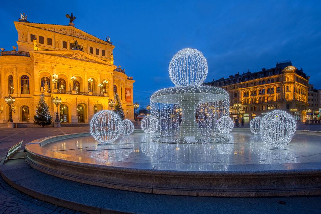 Die Alte Oper zur Weihnachtszeit